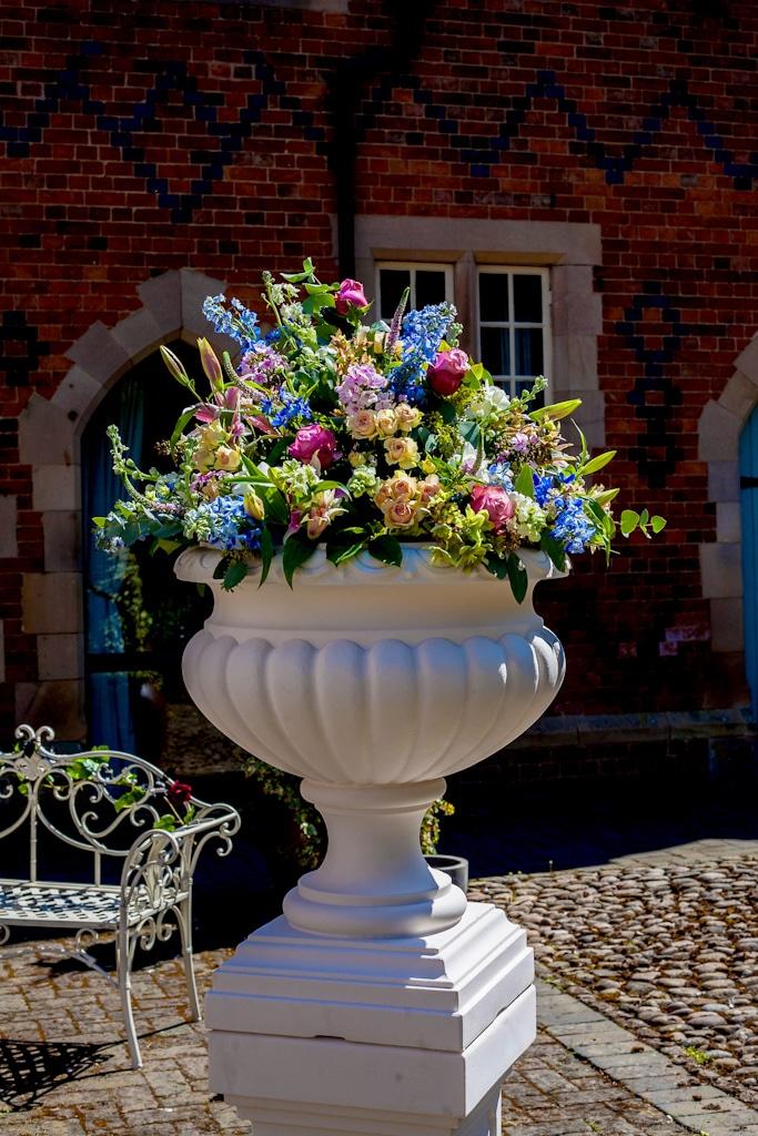 Balustrade, Pedestals & Urns Image 2