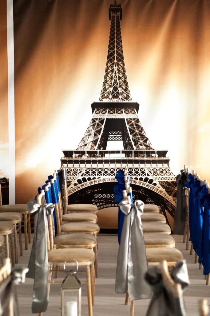 Moulin Rouge / Parisian Image 3